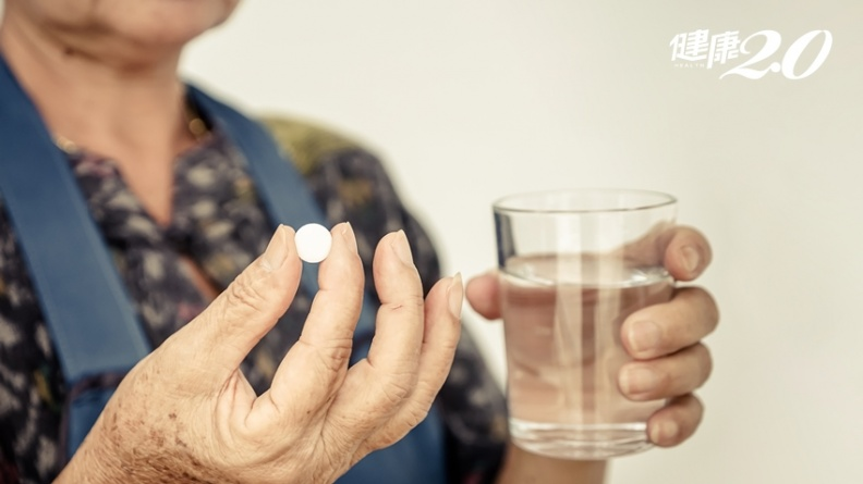 老病人常忘記吃藥?「巴金森寶典APP」一指搞定用藥提醒、紀錄