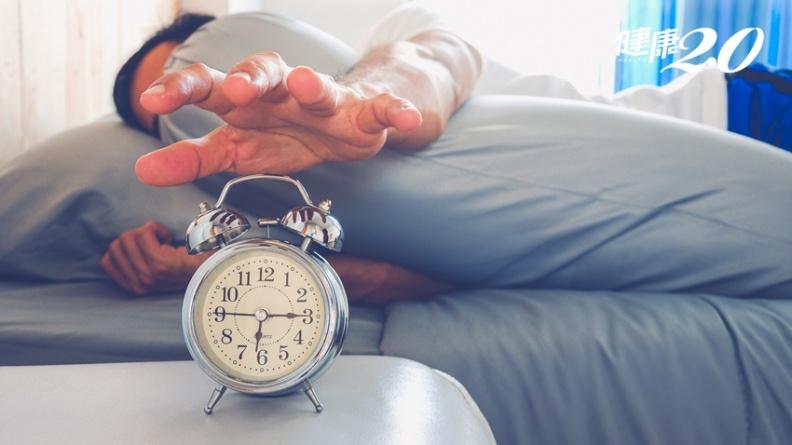 絕對不會睡回籠覺!鬧鐘擺對位置效果增10倍 醫師教1招神清氣爽醒來