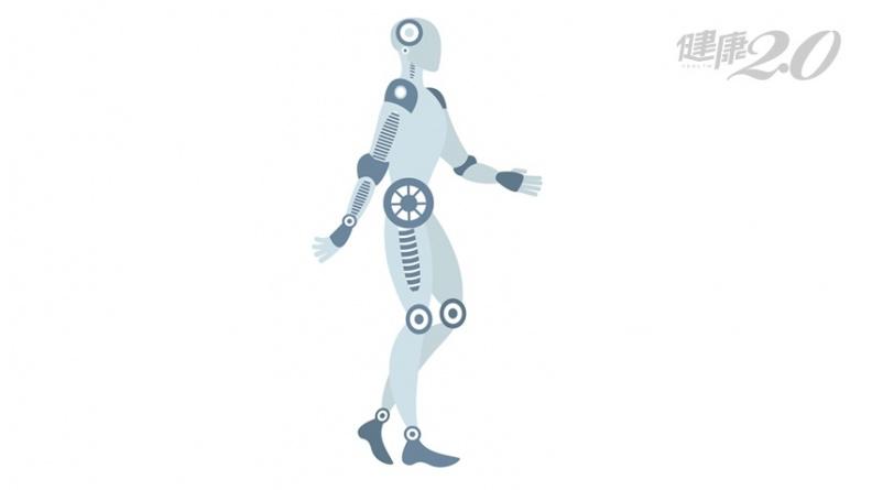 1招遠離足痛!專家大推「機器人走路法」 預防關節退化、靜脈曲張、足底筋膜炎