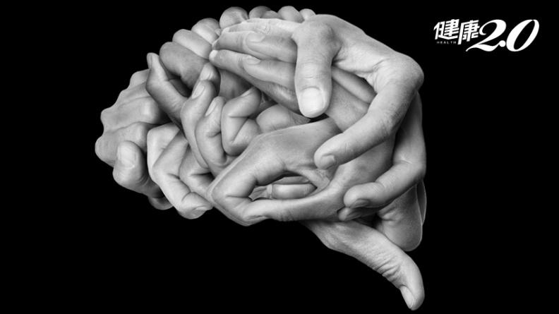 腦袋靈光的秘密!95歲文學大師「手力運動」 時時活化大腦