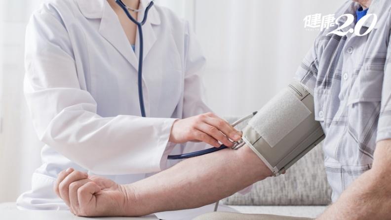 到醫院血壓就上升 「白袍高血壓」者未來死於心臟病風險增109%
