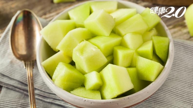 吃香瓜要不要削皮?果皮含維生素C和B群、籽含消化酵素 但這類人別試
