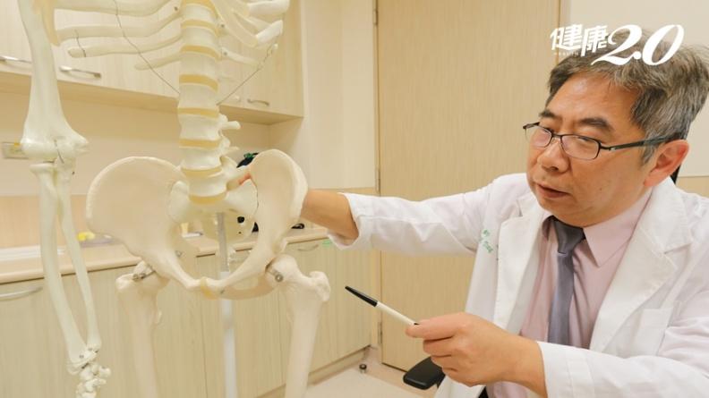 她被笑「走路像素還真」 醫師這樣治療擺脫疼痛、走路不再搖晃!
