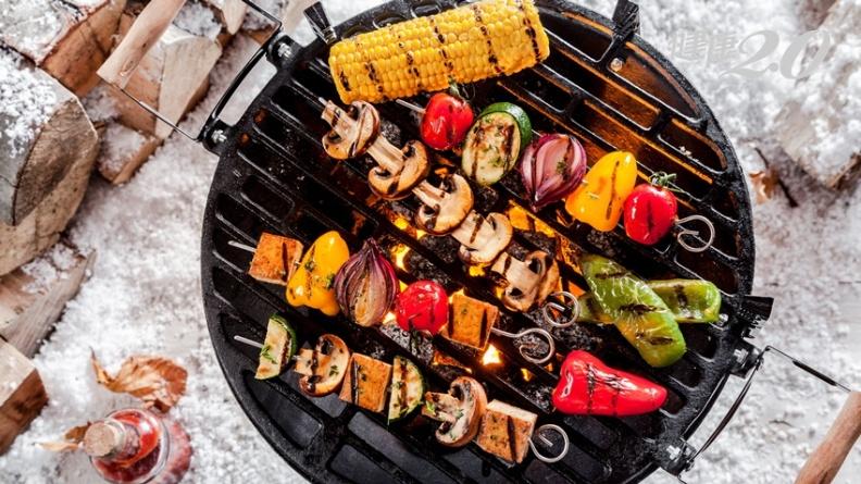 中秋烤肉不想吃完變胖子 營養師最推這些消脂菜