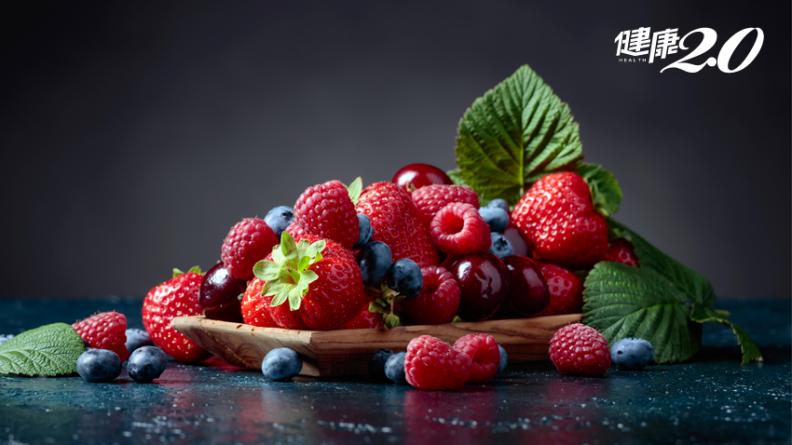 睡不著不必靠安眠藥 奇異果、櫻桃跟這食物能幫助快入睡