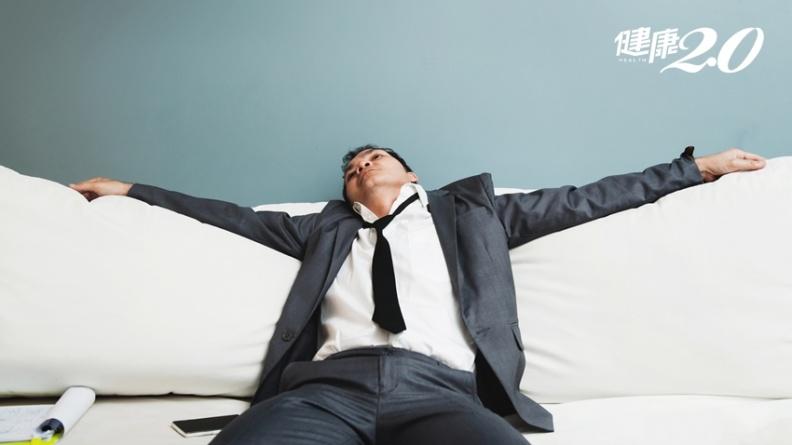 壯男嗜睡、疲累竟是腦中風!「這時間送醫」是救命關鍵