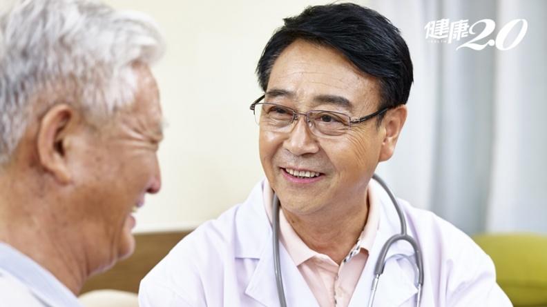 中醫、西醫哪個好?中西藥可以同時吃?台大老年醫學權威解惑