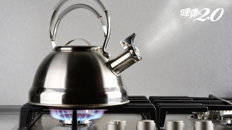 煮開水揮發大量三鹵甲烷 不掀蓋、沒開抽油煙機恐致癌?