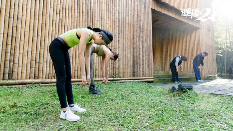 肌肉緊繃會致病!台大醫推「童子體操」放鬆全身 促血循、防病痛
