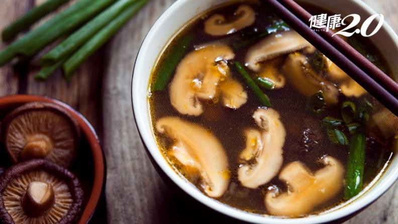 日本國寶級料理家大推「救命香菇湯」!重病、癌症治療副作用 都能快速復原
