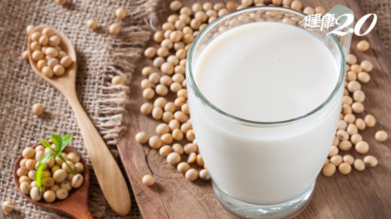 喝豆漿預防骨鬆、更年期症候群!營養師曝1步驟 大豆異黃酮吸收量多6倍
