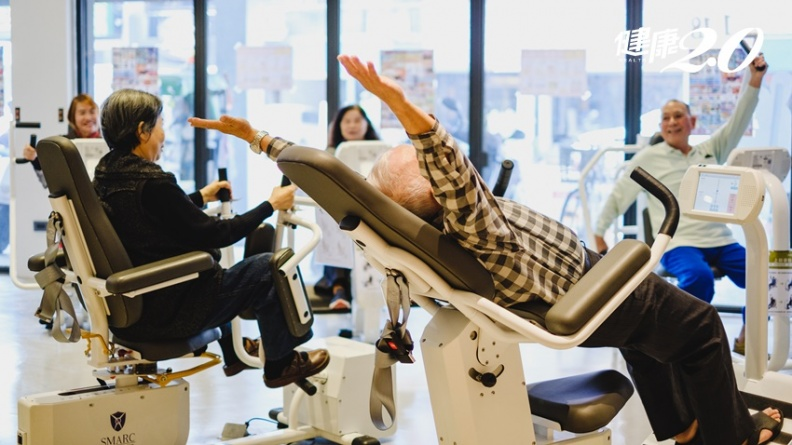 藥局不只領口罩、拿處方藥物 居然還提供運動健身服務、上課促進健康