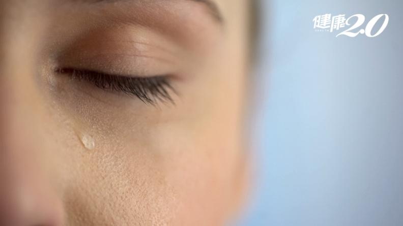 年紀輕輕也會「流目油」?原來是鼻淚管阻塞 醫師解析3種手術方式