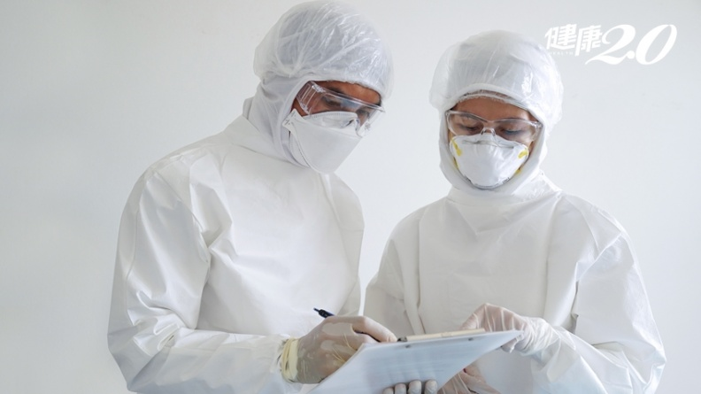 「12小時緊戴N95工作」醫警告3大新冠肺炎嚴峻危機 「這件事」發生致死率比SARS高
