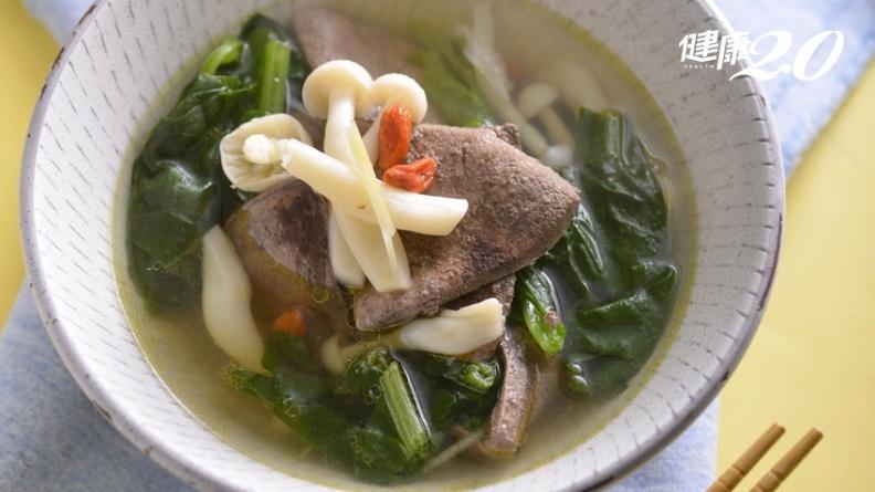 平民美食「豬肝湯」不只補血、補鐵!用亞麻仁油取代麻油 活絡腦心血管、預防失智症