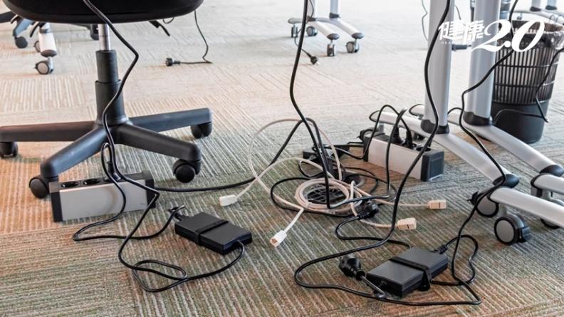 電線太長可以綑起來?插座拔來拔去更危險? 5大居家用電NG行為一定要知道