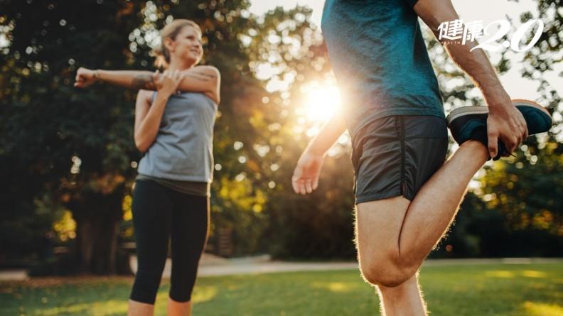伸展是運動前還是運動後做好? 專家說順序對了更能長肌肉、少疲勞