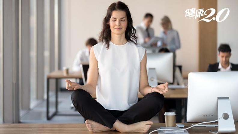 最好休息方法!「正念呼吸法」降低腦疲勞、提升記憶力 蘋果、推特創始人都在練