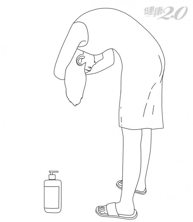 「洗頭最佳姿勢」頭腦清醒、防頸椎病!你洗頭是低頭彎腰,還是站直?