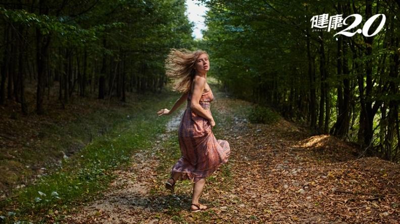 夢到「被鬼追」、「從高處往下掉」代表…從5大夢境了解你的潛意識