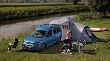 小小4.5米車長就有彈簧床有廚房 Caddy California露營車登場