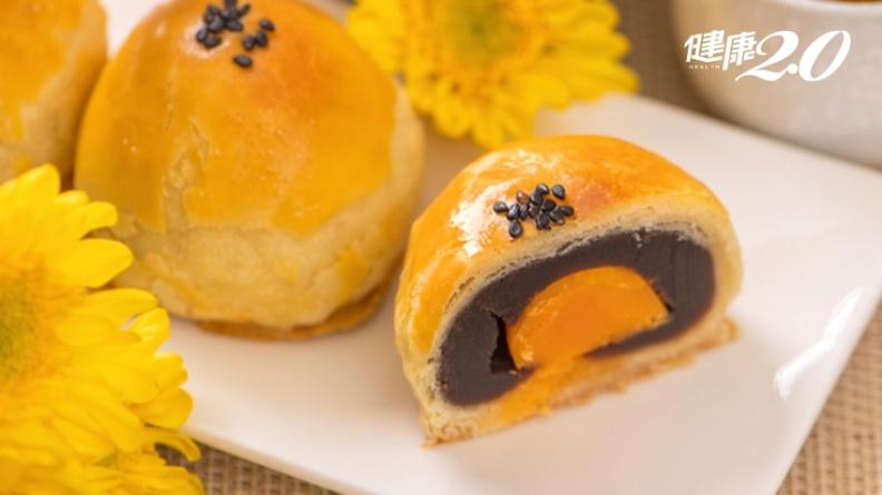 月餅雙蛋黃熱量等於3碗飯!月餅1天可以吃幾顆?糖尿病友怎麼吃血糖不升?