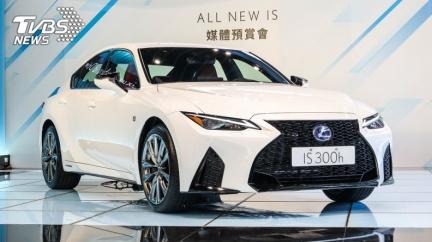 大幅小改Lexus IS預售開跑 190萬起僅存300h單一動力