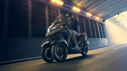三輪車跑得快! Tricity 300預售價32.8萬
