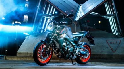 Yamaha MT09改款亮相 電控系統加強操控更穩健