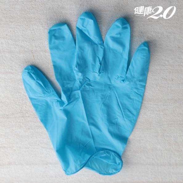 醫療手套、PVC手套、丁晴手套…做家事手套怎麼選?手套戴不住怎麼辦?
