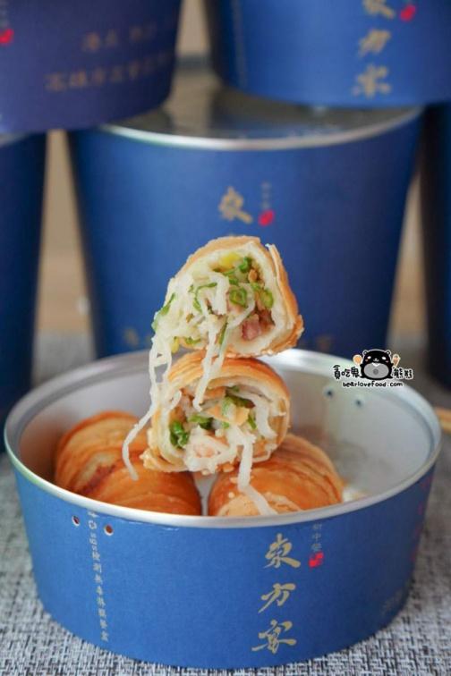 港式餐廳首創「易開罐餐盒」!外帶方便又保溫,必點避風塘草蝦、糖醋咕咾肉