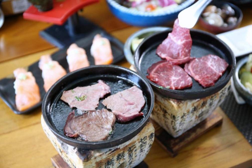 把燒肉店搬回家!全台8家外帶烤肉組合:IG打卡九宮格、澳洲巧克力和牛、道地韓式BBQ
