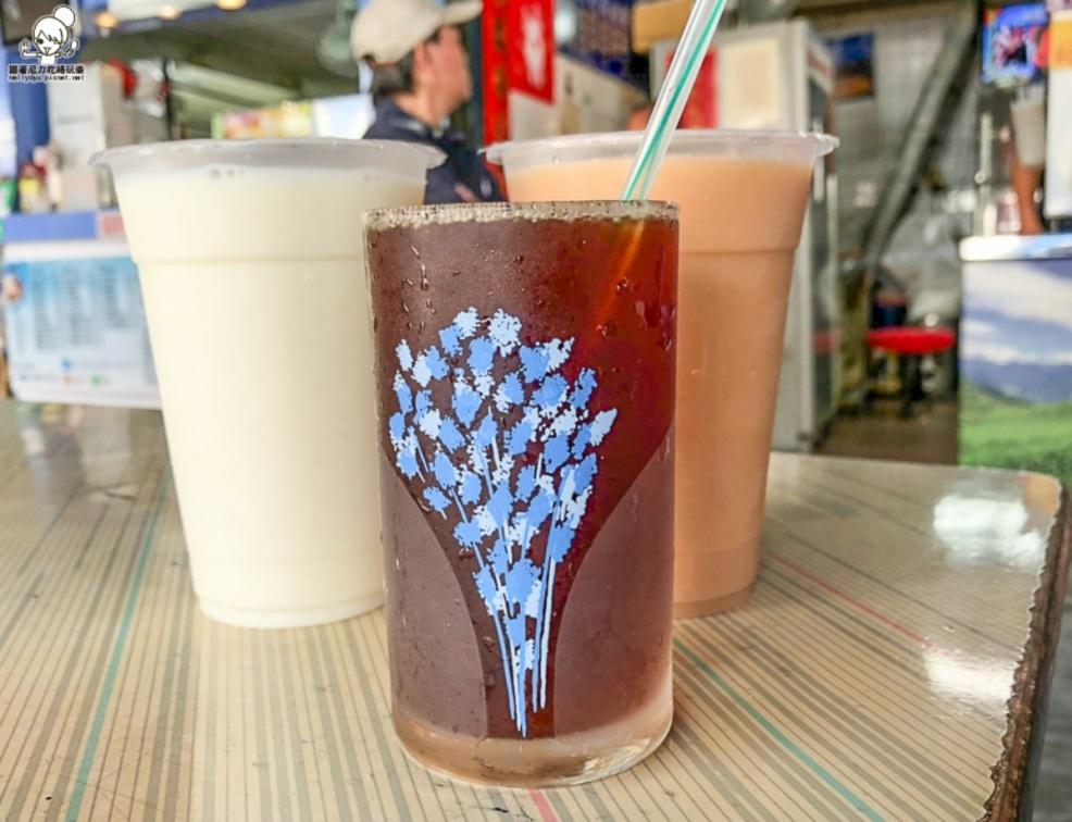 從小喝到大!北中南15家不敗古早味飲品:6元紅茶鋁箔冰包、滿料黑粉圓、60年青草茶