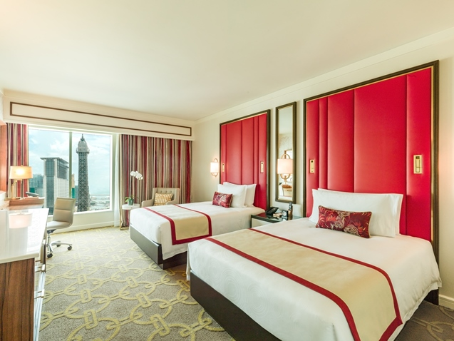 The Parisian Macao - Deluxe Room (Queen) – with Eiffel Tower view.jpg