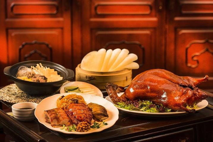 【新聞照片】台北國賓粵菜廳推出廣式烤鴨三吃只需NT$1980.jpg