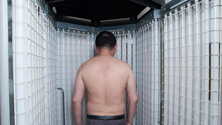 乾癬讓藝人李祖寧30年不穿短袖、短褲見人