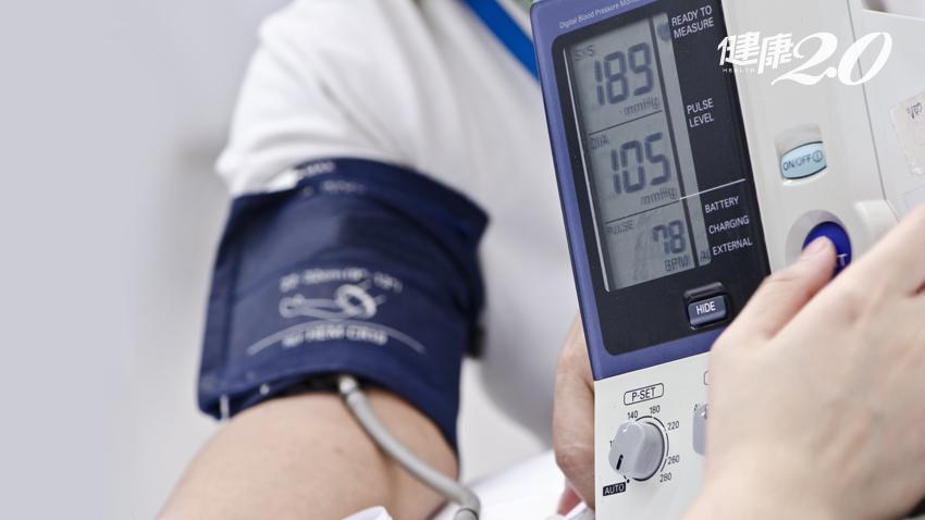 一直以來都做錯了......量血壓要量這隻手