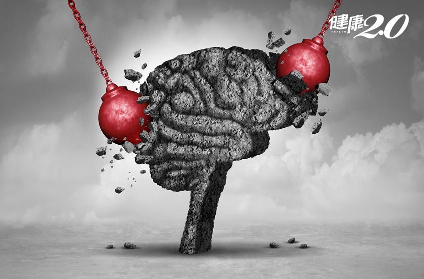 頭痛忍一忍就過?伴隨5種訊號可能「忍」出人命