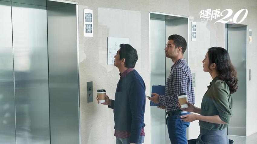 日本新規:抽完菸禁搭電梯 吸菸的危害究竟有多大?
