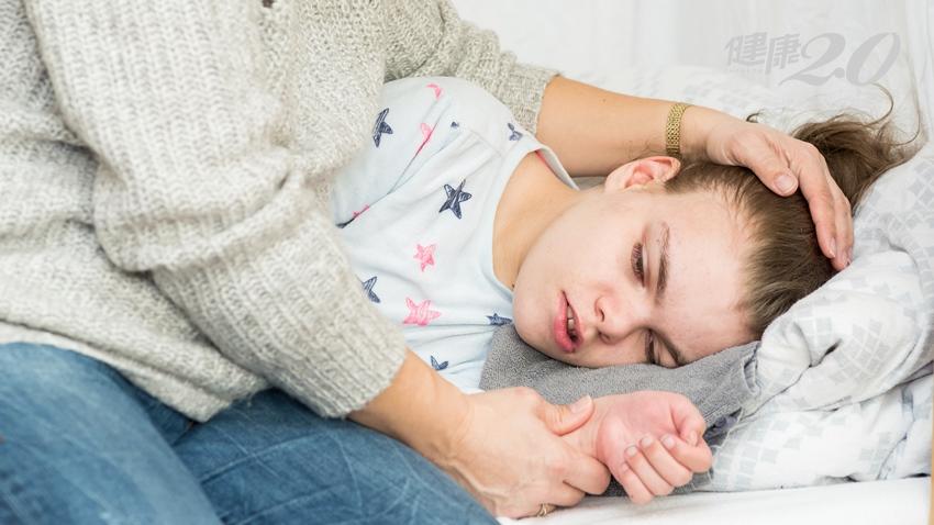國二女生莫名昏倒、尿失禁?!竟是腦部不正常放電