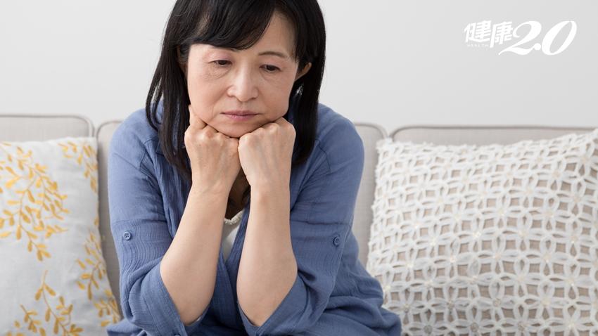更年期熱潮紅、心悸?小心夏天爆血管!中醫教你「揉穴」保養