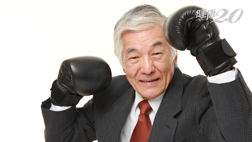 喉嚨痛竟是淋巴癌!96歲阿公拿出打仗的精神接受治療