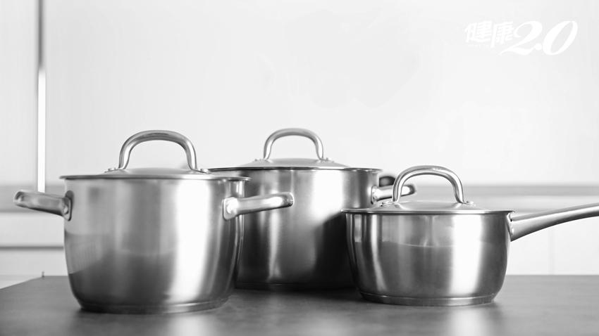 不鏽鋼鍋具永遠不會壞?這些情況告訴你該丟掉了!