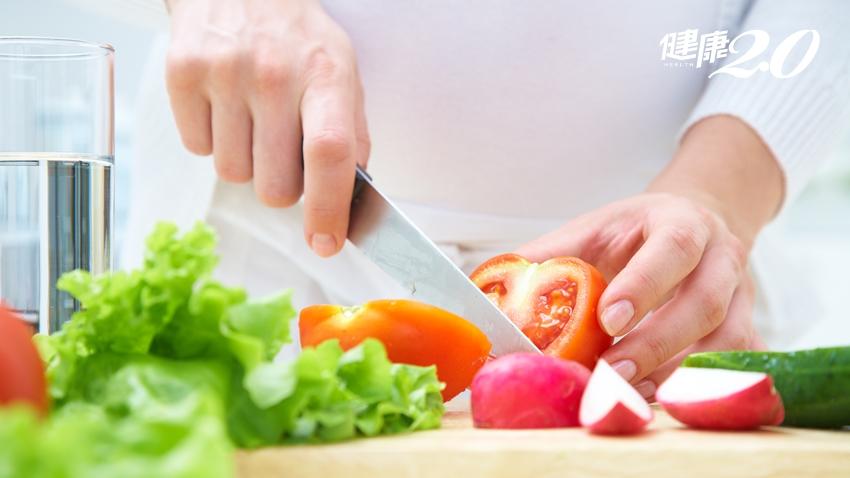 番茄下鍋煮更營養!還有一種當季水果也超適合入菜
