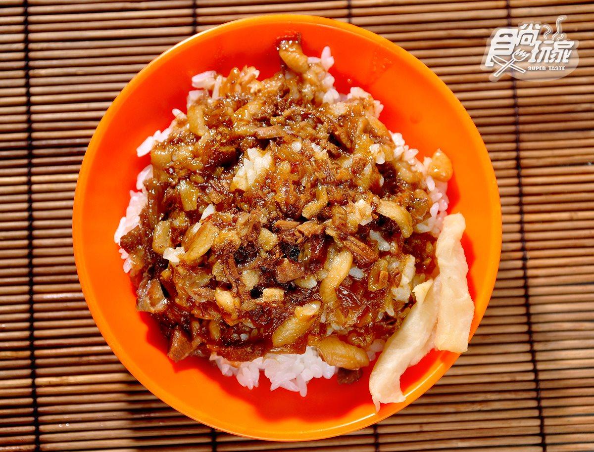 基隆廟口必吃「仁三路」這5攤:6隻螯肉螃蟹羹、百年滷肉飯、冰糖肉刈包