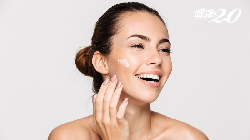 別變乾燥花!皮膚科醫師教你正確保濕:這時間擦乳液最好