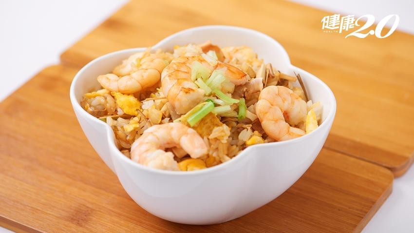 吃炒飯也能健康瘦?風靡減肥圈的椰子油炒飯