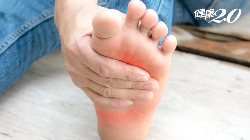 每天1分鐘「足底伸展」,出遊走路再也不怕腳底痛