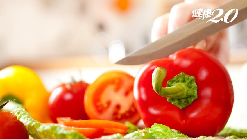 吃1顆就補足1天的維生素C!紅、黃、青椒誰厲害?