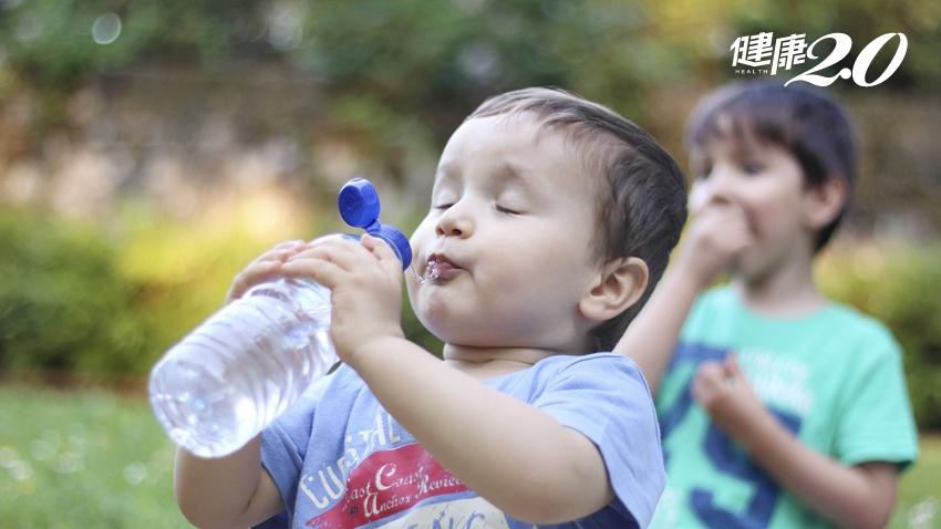 夏天也會發生心肌梗塞 尿液變成這種色更要趕快喝水